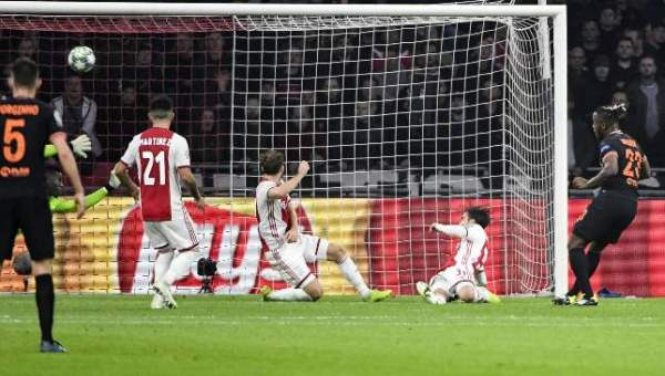 Borussia Dortmund 0-2 Inter Milan: Samir Handanovic a hero as Italians are inch perfect - Sport360 News