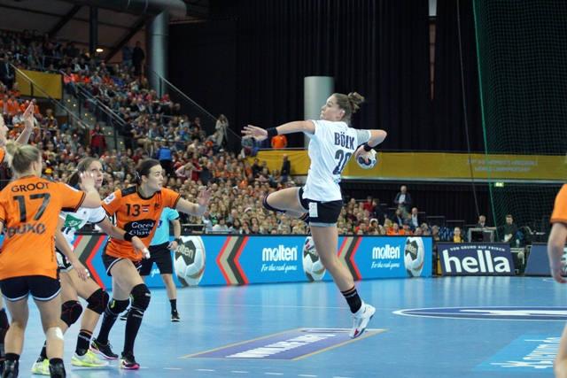 Emily Bölk - Handball WM 2017 - Deutschland vs. Niederlande - Arena Leipzig - Foto: Jansen Media