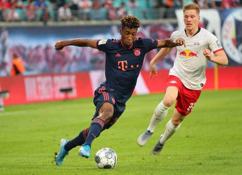 Deutsche Bundesliga, RasenBallsport Leipzig vs. FC Bayern München. Kingsley Coman (Bayern) und Marcel Halstenberg (RB Leipzig) - Foto: GEPA Pictures / Kerstin Doelitzsch