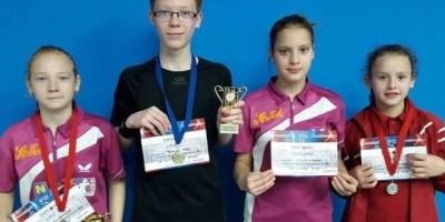 Medalii de toate felurile pentru CSM la două concursuri de tenis de masă din Oradea și Bistrița