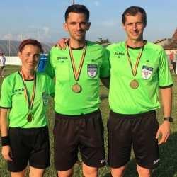 """Trei arbitri arădeni conduc meciuri la """"Lennart Johansson Academy Trophy"""", acasă își așteaptă baremurile de la Târgu Mureș"""