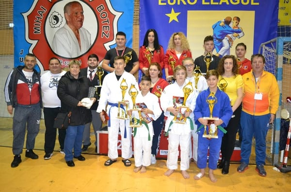 Cei mai buni judoka arădeni în 2017 - premiați în debutul evenimentelor de anvergură de azi și mâine, de la Sala Sporturilor Victoria