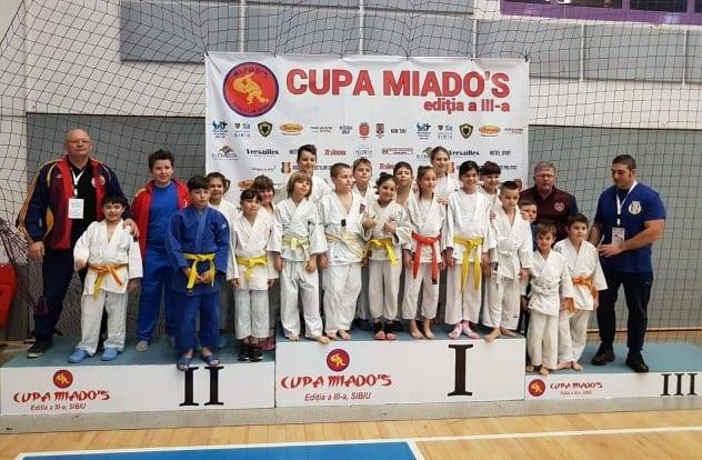 Prichindeii judoka au urcat pe podiumul Cupei Miado's