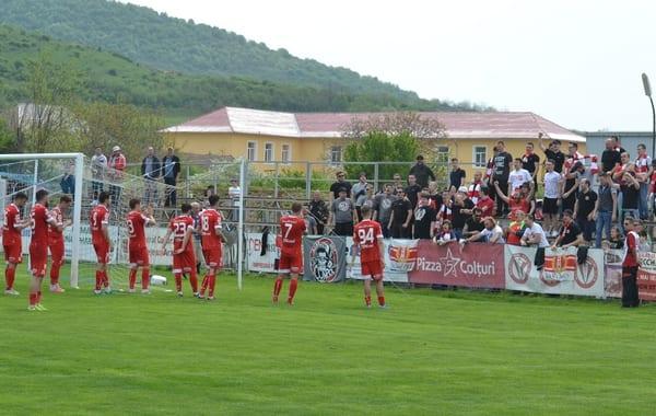 Suporterii arădeni - cu gândul la derby-ul cu Poli, de marți, 24 aprilie