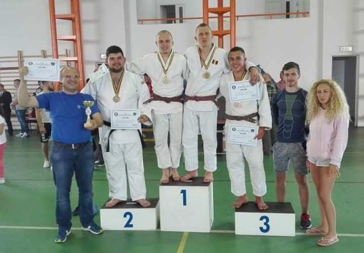 """Medalie de bronz la """"Universitarele"""" de judo pentru studenții UAV"""
