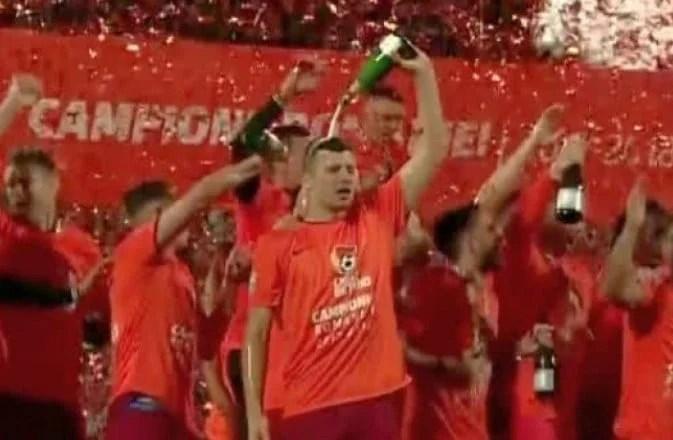 Arădeanul Țucudean face istorie în tricoul lui CFR Cluj: A câștigat al treilea titlu de campion cu a treia echipă diferită!