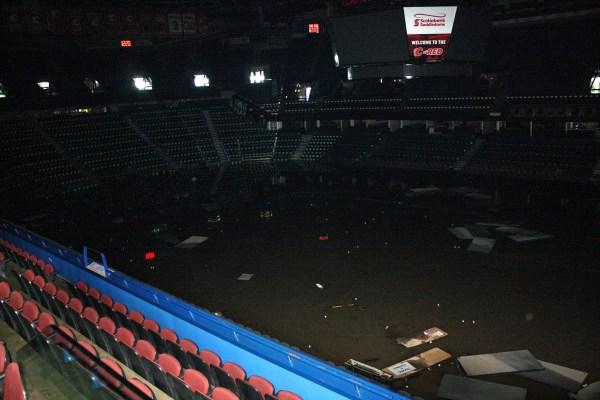 Saddledome Calgary - inondations - vue intérieure
