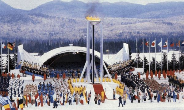 Cérémonie d'ouverture des Jeux d'hiver de Lake Placid 1980 (Crédits - CIO / Tony Duffy / Allsport)