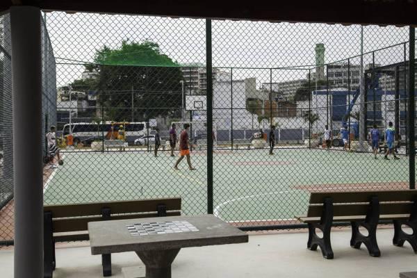Vue de l'un des terrains multi-sports (Crédits - Cidade Olimpica)