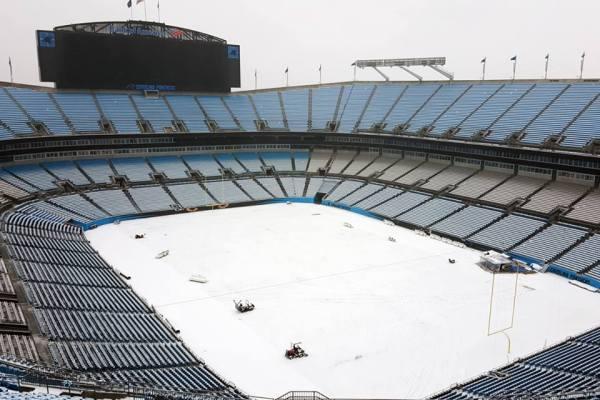 Vue du Bank of America Stadium enneigé, le 22 janvier 2016 (Crédits - Carolina Panthers)