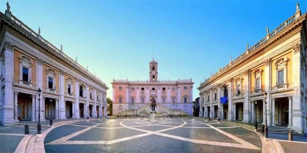 Parvis et façade du Capitole, siège de l'Hôtel de Ville de la capitale italienne (Crédits - Ville de Rome)