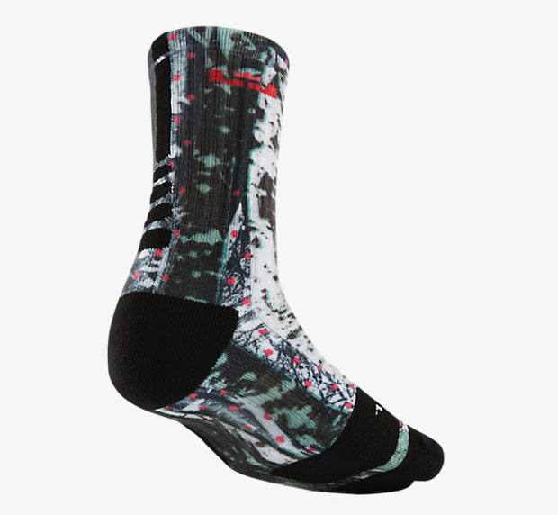Nike LEBRON 12 Christmas Clothing Shirt Hat and Socks ...
