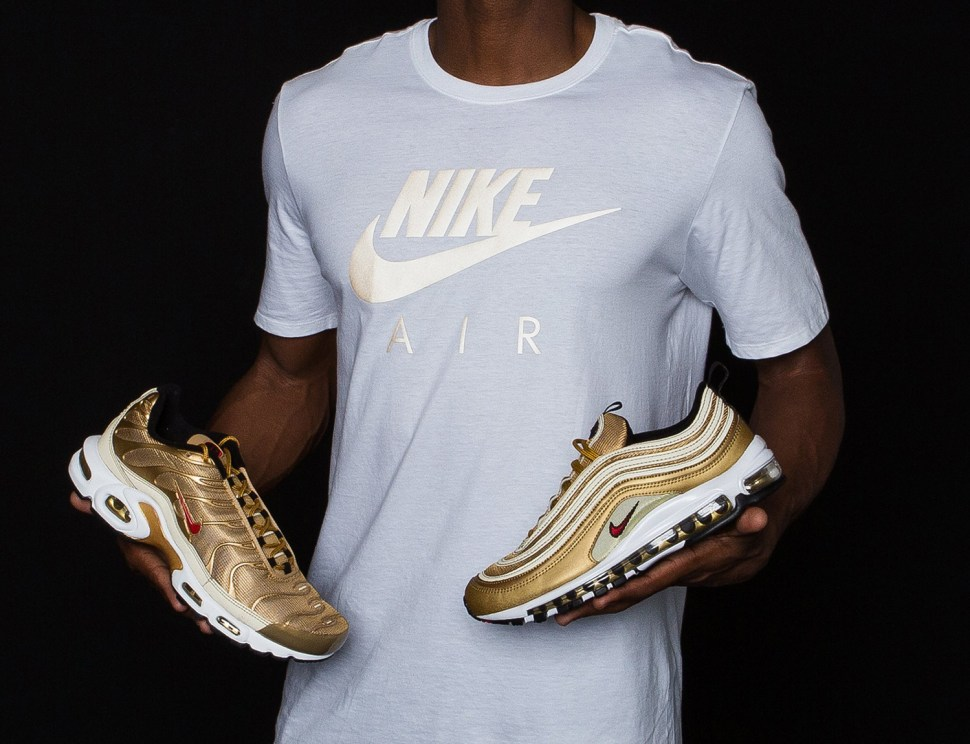 factory authentic b55ce 66813 nike-air-max-97-metallic-gold-shirt-match