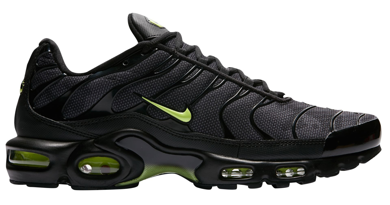 Nike Air Max Plus Black and Green Volt Camo |