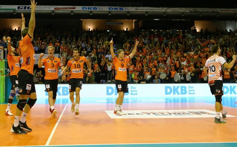 Siegreicher Heimauftakt der BR Volleys
