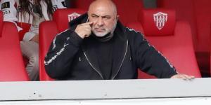 """Φανιέρος.  """"14 ομάδες, τέσσερις Κύπριοι, χωρίς ομάδα πλέι-οφ և Κύπελλο"""""""