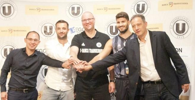 Echipa de baschet şi cea de fotbal a Universităţii vor evolua sub aceeaşi siglă