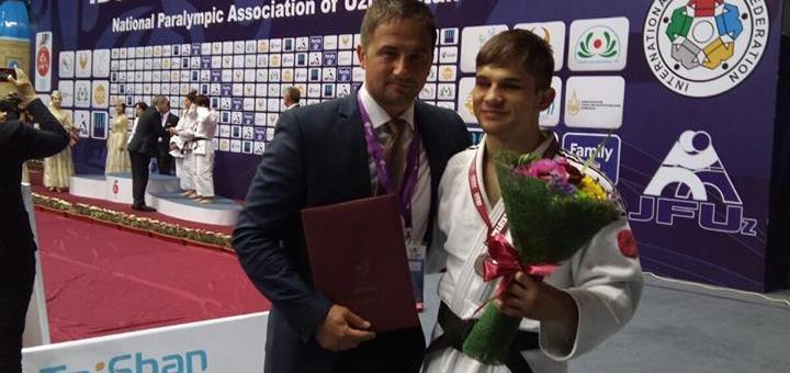 Alexandru Bologa a obținut medalia de argint la Cupa Mondială IBSA de la Tașkent. Sportivul a urcat pe locul doi în lume