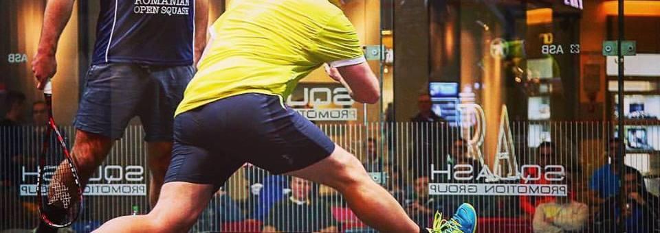 Începe Romanian Open Squash pe un spectaculos teren de sticlă montat în Iulius Mall