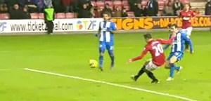 Van Persie scores his 2nd Man United goal against Wigan