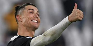Ronaldo edges Messi to win online top player award in China