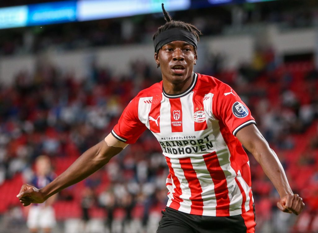 Leicester persist with deal for PSV winger Madueke
