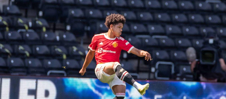 Shoretire in Man Utd 27-man squad for Surrey camp