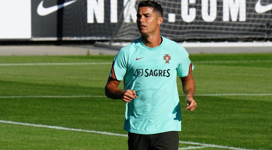 Qatar 2022 qualifiers: United-bound Ronaldo joins up with Portugal squad