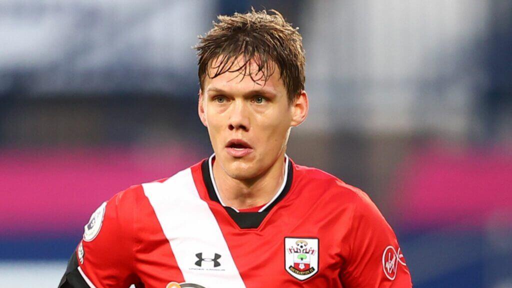 Southampton accepts Leicester City bid for Jannik Vestergaard