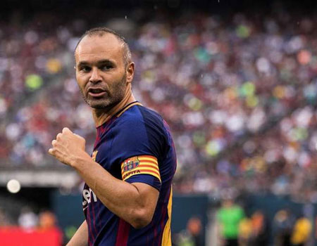 Andres Iniesta gets Ballon d'Or apology from France Football