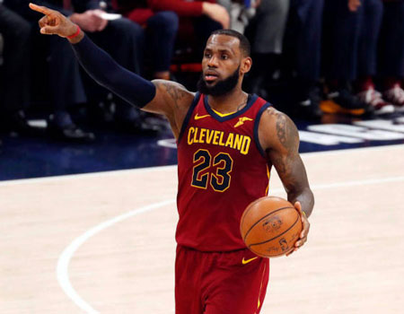 d5e40e68e2a LeBron James agrees to four-year