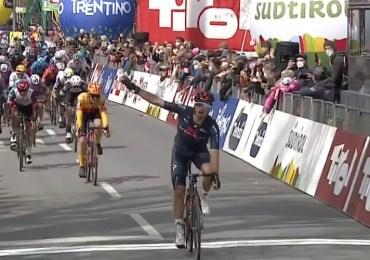 Gianni Moscon wint eerste etappe in Ronde van de Alpen