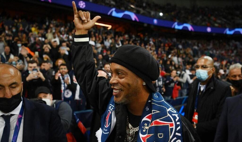 "PSG.  ""Mbappé will be Ballon d'Or one day,"" predicts Ronaldinho, passing through Paris.  Sport — Archyworldys"