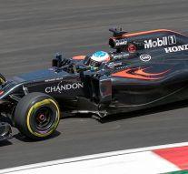 Fernando Alonso sufre un accidente en la última prueba del año de F1