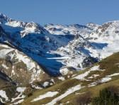 Jaca ofrece la combinación perfecta para Semana Santa: Nieve y procesiones