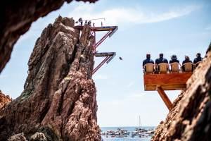 En vidéo – Les meilleurs moments du Red Bull Cliff Diving World Series à Saint-Raphaël