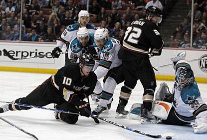 https://i2.wp.com/sports.cbsimg.net/u/photos/hockey/img14908242.jpg