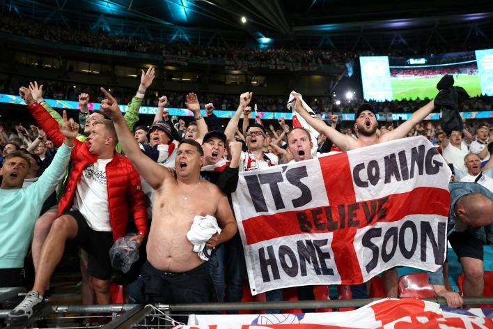 england fans euro 2020