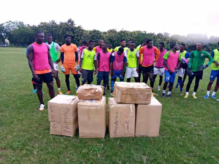 RTU receives the items donated by Baba Rahman