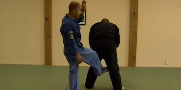 How to do Buckling Branch Self Defense Technique