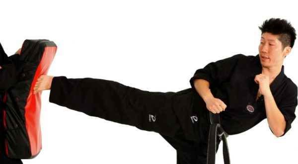 How to Do a Side Kick in Taekwondo