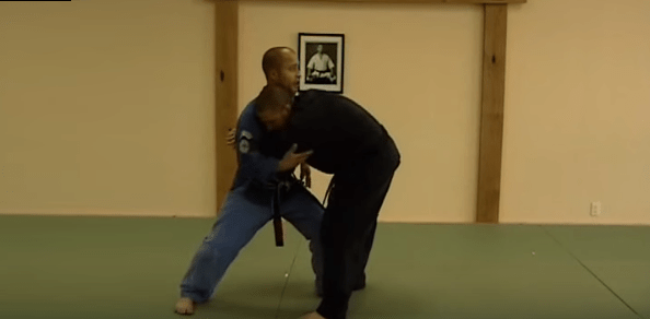 How to do Striking Serpent's Head Self Defense Technique
