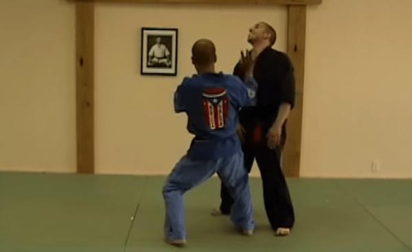 How to do Thrusting Salute Self Defense Technique