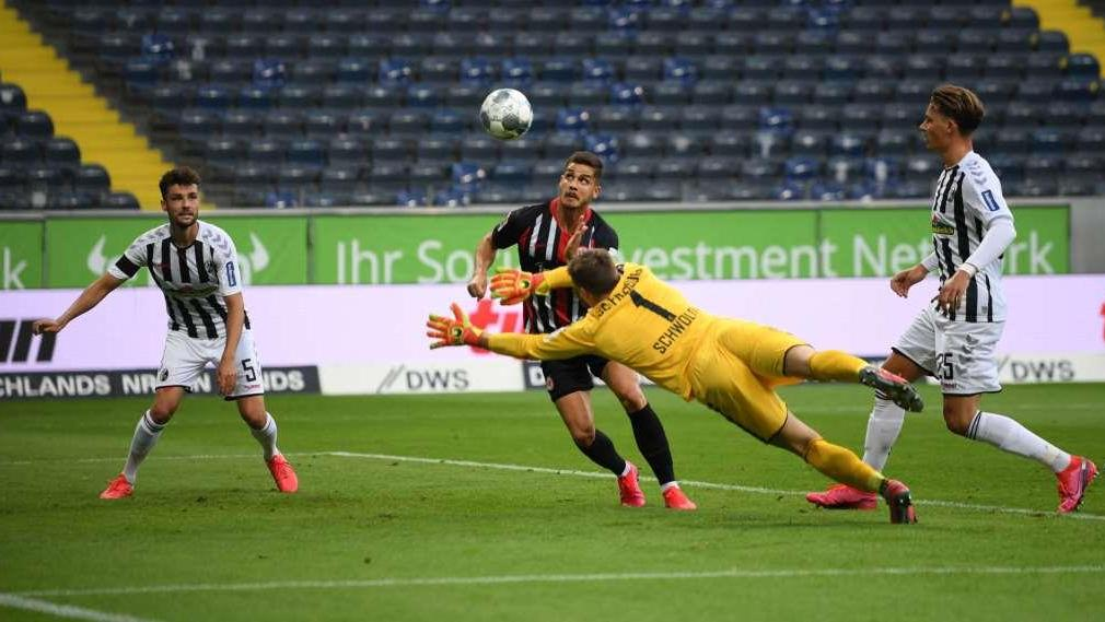 Eintracht escaped defeat in a match with Freiburg