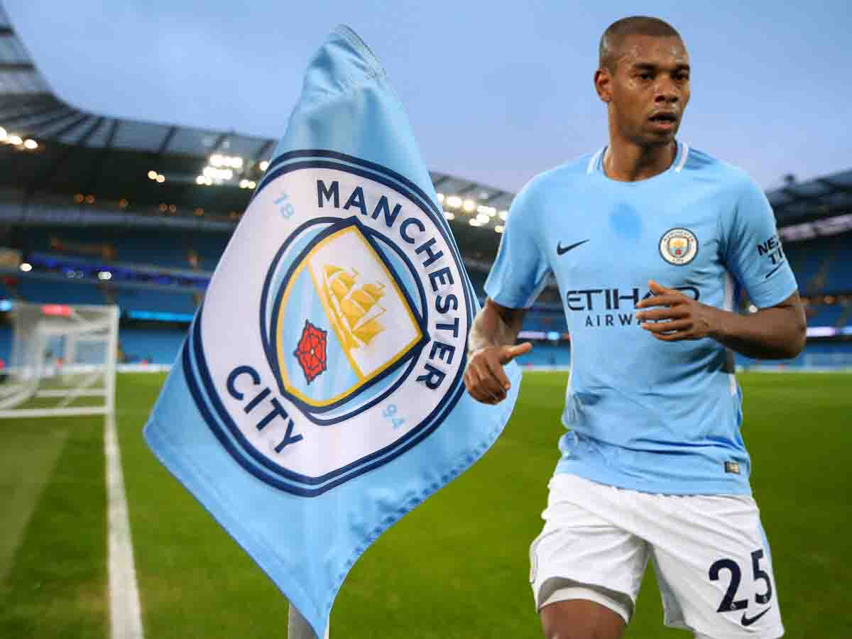 Fernandinho renews his contract with Manchester City