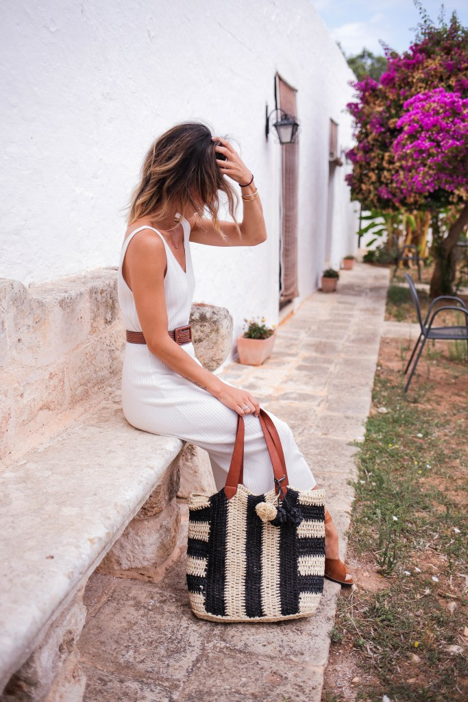 HM Fine Knit Dress, Straw Beach Tote, Suede Sandals, Olive Oil Farm, Chicago Fashion Blogger