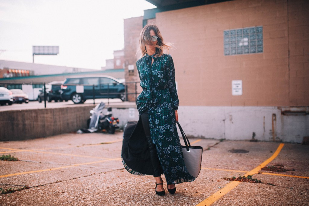 Chicago Fashion Blogger and Floral Maxi Dress