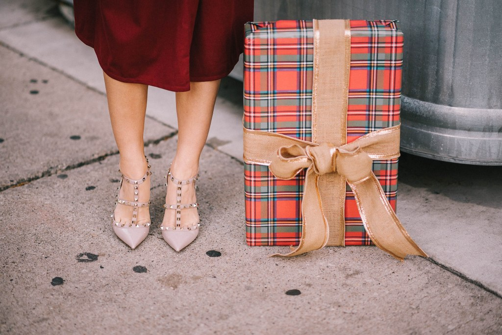 holiday fashion and valentino rocketed pumps
