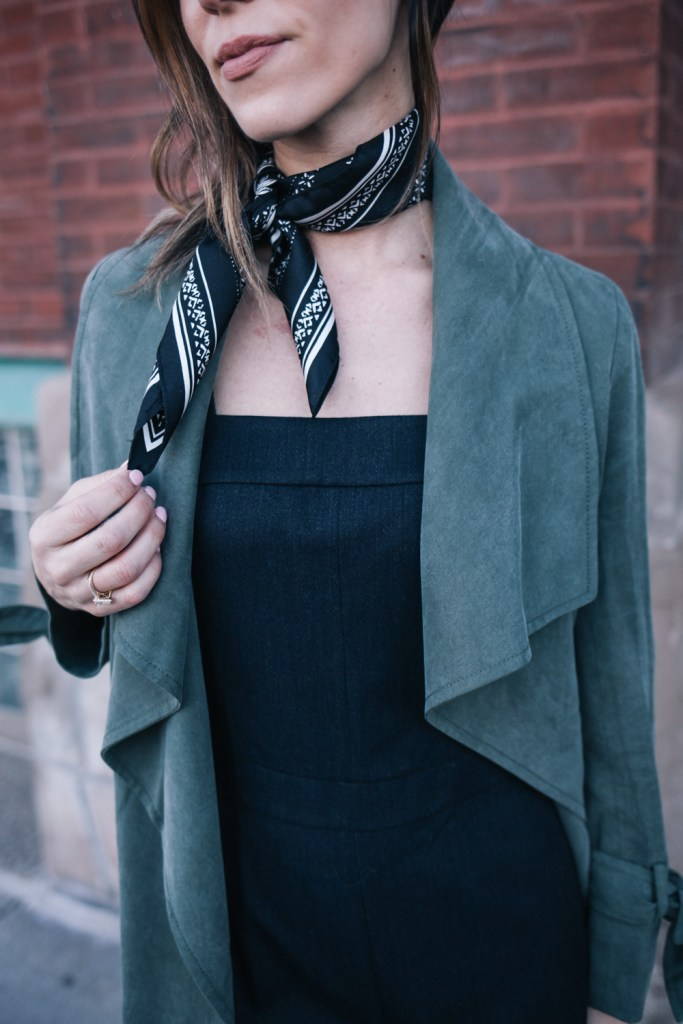 Blogger Mary Krosnjar wearing neck tie scarf and NYFW Club Monaco Collection