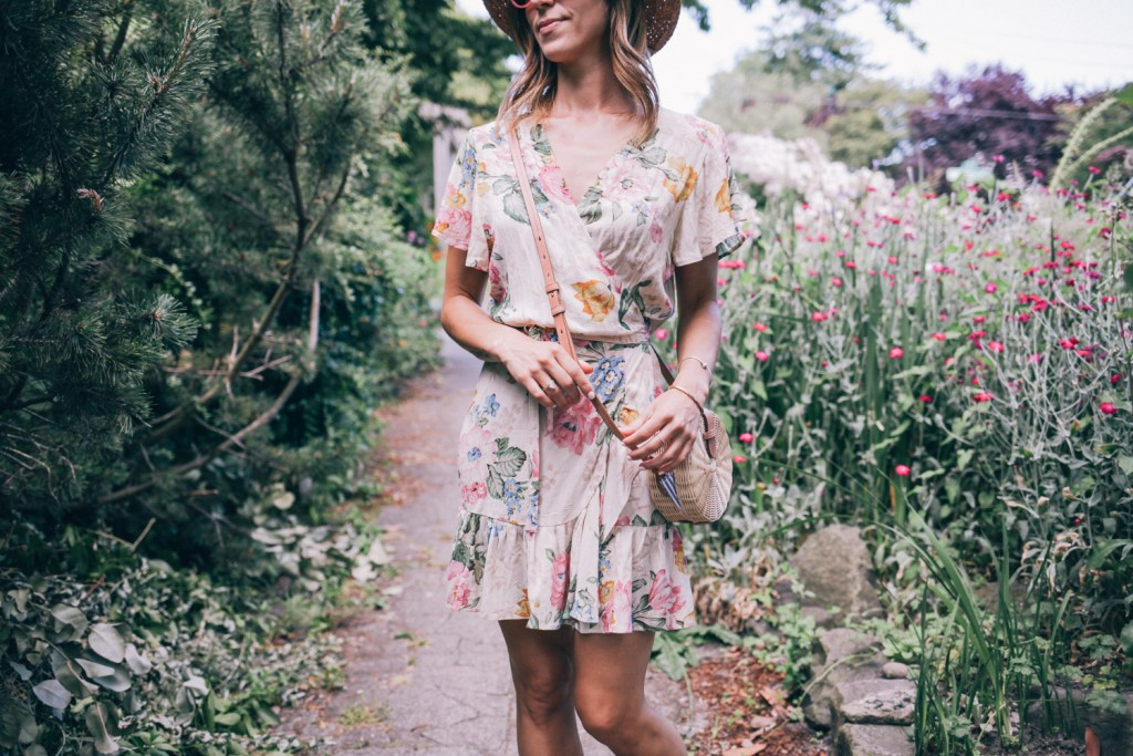 Blogger Mary Krosnjar wearing Floral Wrap Dress for Summer